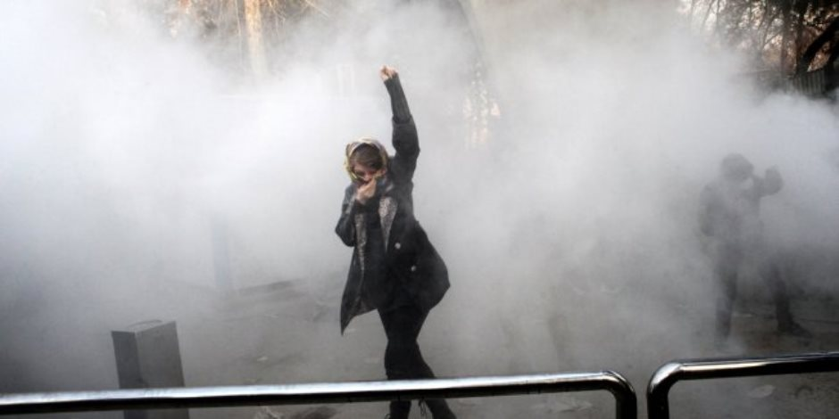 التدخل في سوريا أحد الأسباب.. هل اقترب الإيرانيون من إحراق نظام «الملالي»؟