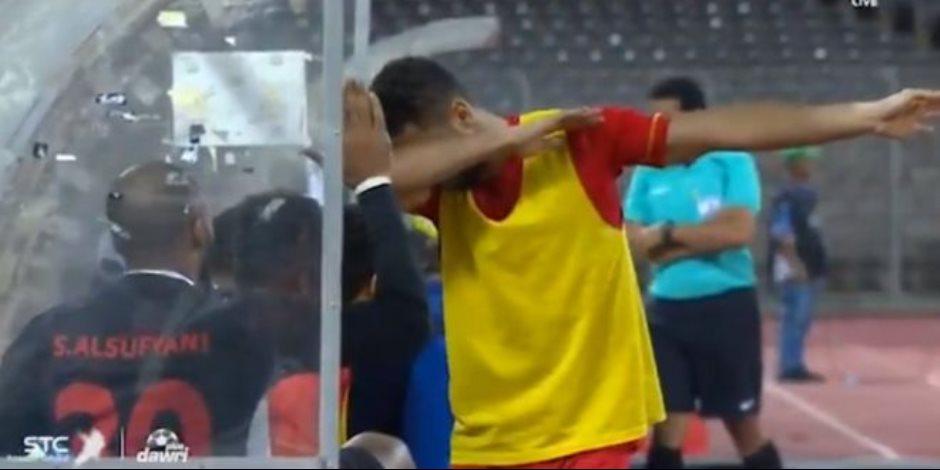 احتفال أزارو يضع لاعب بالدوري السعودي في مأزق