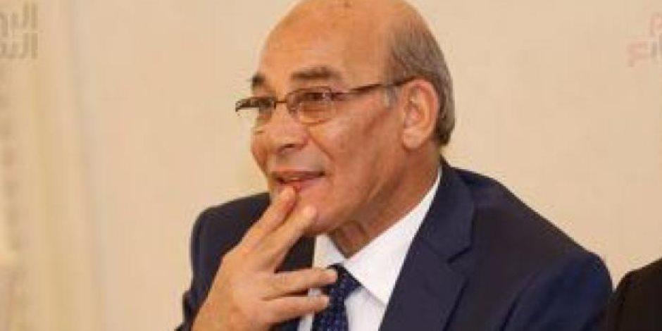 وزير الزراعة يوجه بتكثيف أعمال الحملة القومية للقوافل البيطرية بالمحافظات