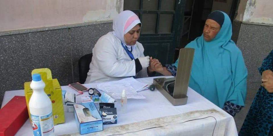 صحة بنى سويف: الكشف على 1383 حالة في قافلة علاجية بمعصرة نعسان