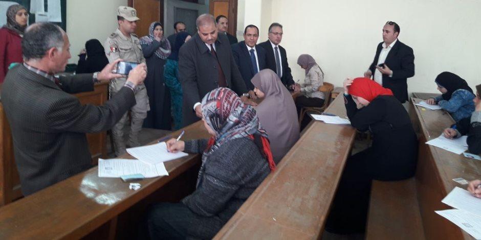 رئيس جامعة الأزهر يتفقد لجان الامتحانات بالمنصورة (صور)