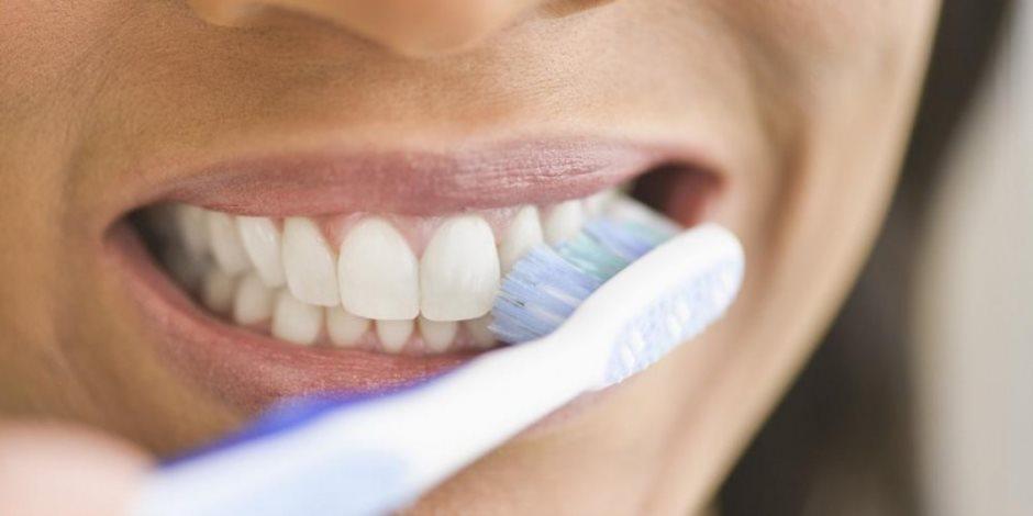 دراسة تؤكد: تنظيف الأسنان يحمي من مخاطر الإصابة بأمراض القلب والشرايين