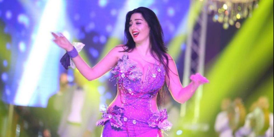 قبل ما تهزي.. تعرفي على مواصفات البدلة القانونية للرقص في مصر