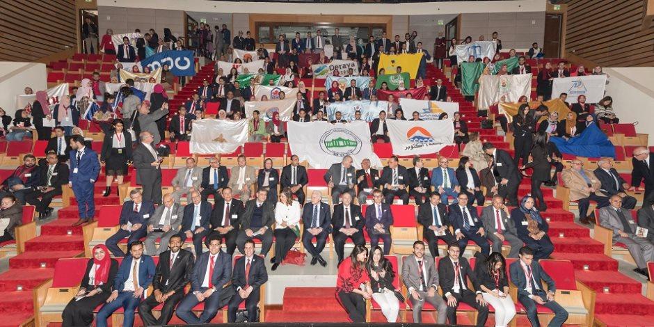 """""""رؤية مصر 2030"""" في ختام نموذج مجلس الوزراء الطلابي بالجامعة الأمريكية"""