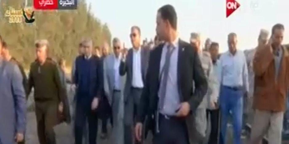 وزير النقل يتفقد موقع حادث تصادم قطاري البحيرة