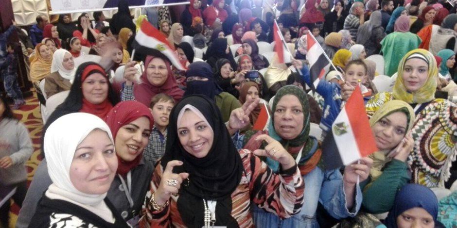 """""""مشوار مشيناه وهنكمله معاه """" حشود شعبية في مؤتمرات دعم السيسي رئيسا ببورسعيد ودمياط والجيزة"""