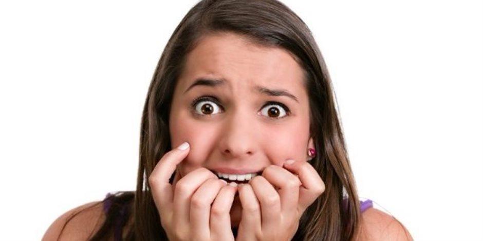 مضغ العلكة والتلوين.. عوامل تساعدك على التخلص من نوبات الهلع