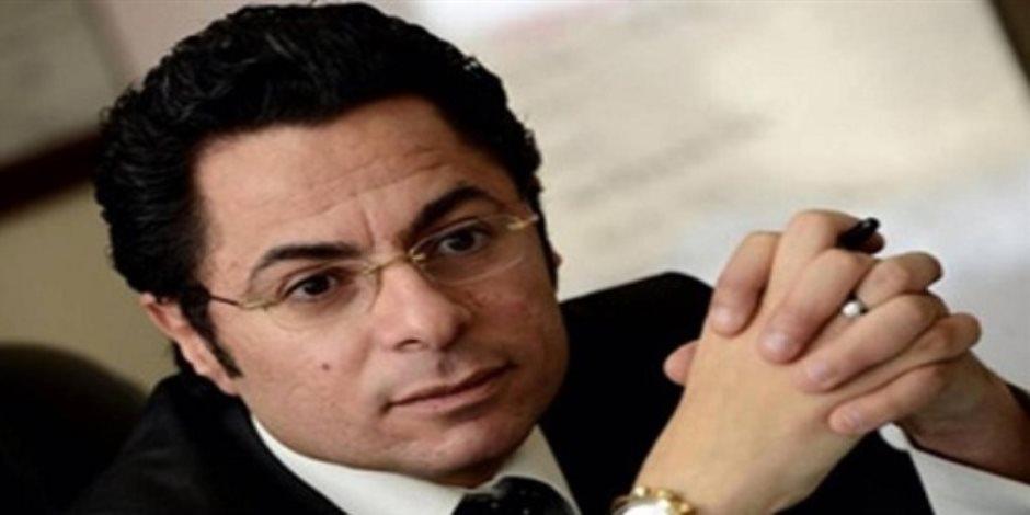 وزيرة الهجرة تتواصل مع خالد أبوبكر لرفع دعوى ضد الخطوط الرومانية لاعتدائهم على مواطن مصري
