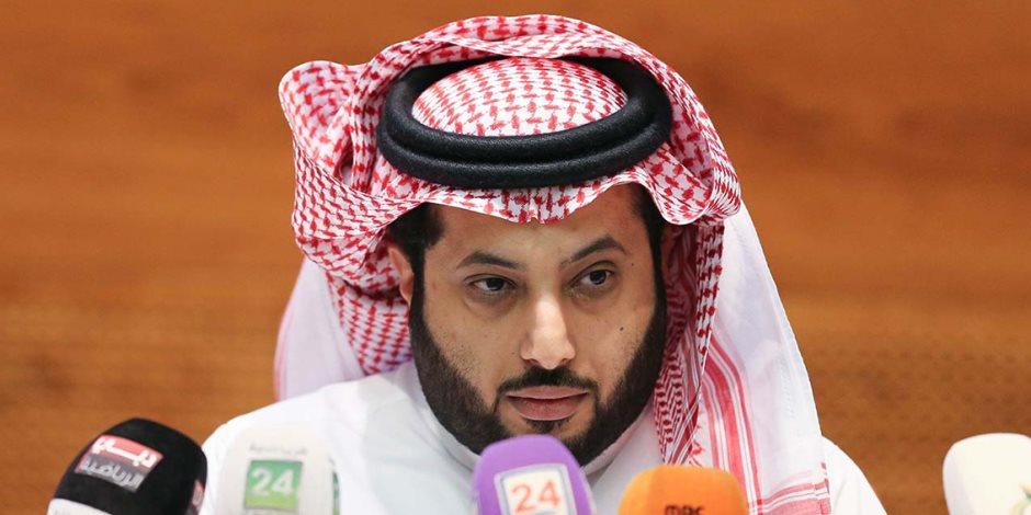تركي آل الشيخ يقدم العزاء لمحمد فضل في وفاة نجله