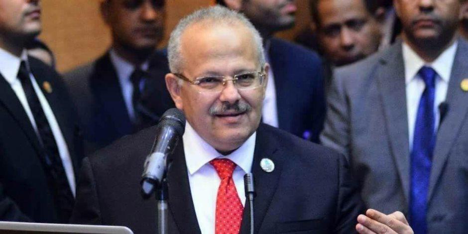ببركة رمضان.. رئيس جامعة القاهرة لطلابه: إعفاء «المدينجية» من المصروفات