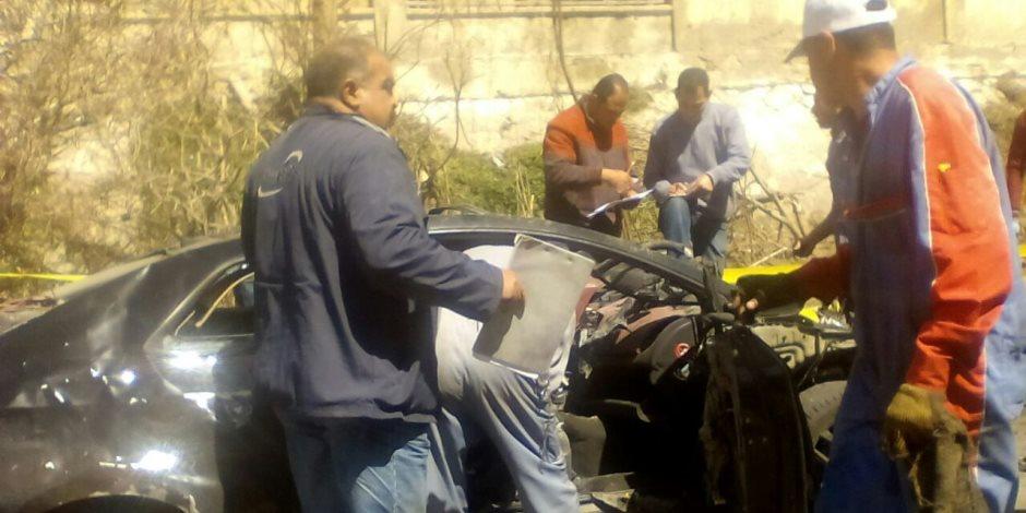 الأدلة الجنائية تواصل البحث بموقع حادث انفجار الإسكندرية الإرهابي (صور)