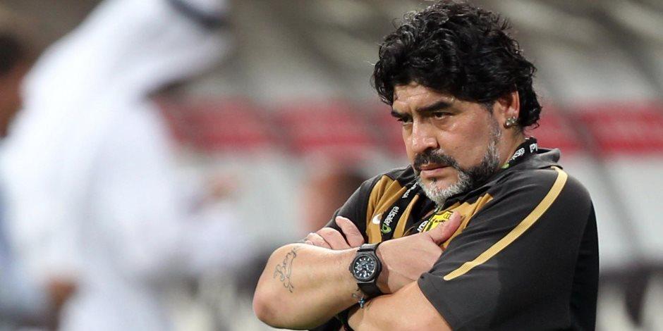 مارادونا ضحية إهمال قاتل.. صحيفة أرجنتينية تكشف محاولات تخلص الأطباء من نجم كرة القدم