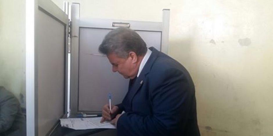 بمسيرة حاشدة.. رئيس جامعة بنها يدلي بصوته في الانتخابات الرئاسية (صور)