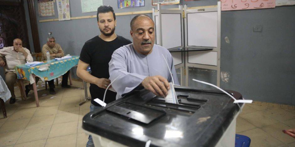 مسيرات بالسيارات في مدينة العريش قبل غلق اللجان الانتخابية بساعات: تحيا مصر (فيديو)