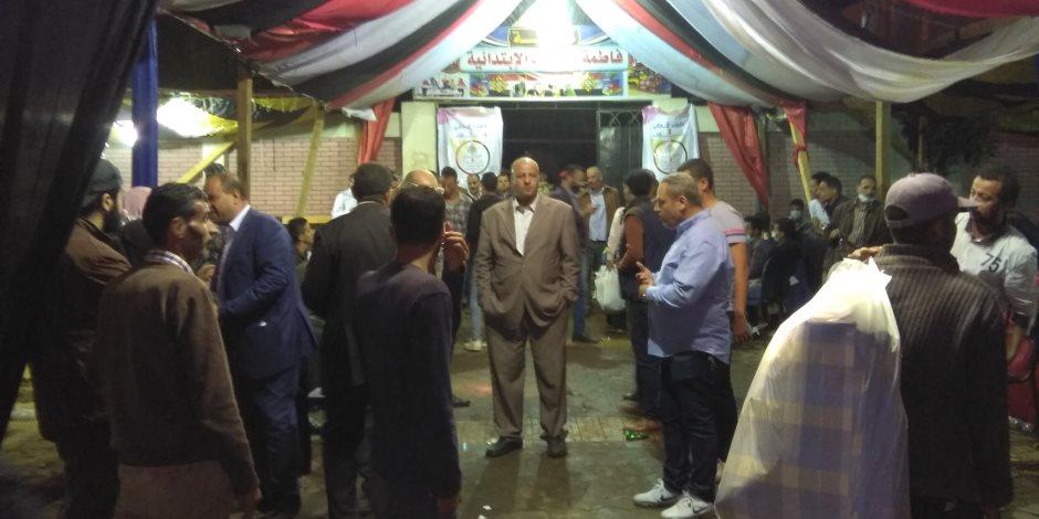 تواصل إقبال الناخبين على الإدلاء بأصواتهم في مركز الحسنة بسيناء (صور)