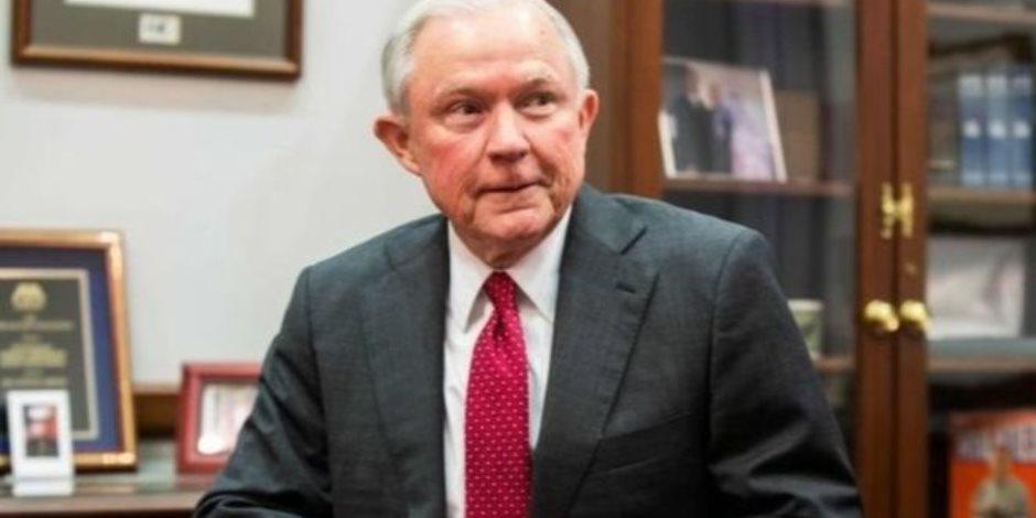وزير العدل الأمريكى يحمل الكونجرس مسئولية إنهاء الهجرة غير الشرعية