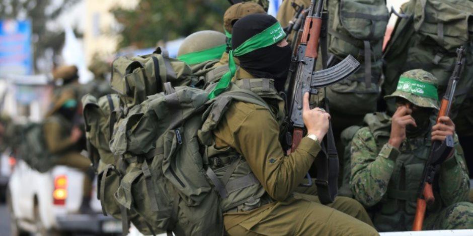 مدير أمن الدولة الأسبق في سيناء للمحكمة: حماس أنارت معسكرات الإرهابيين بكهرباء مصرية