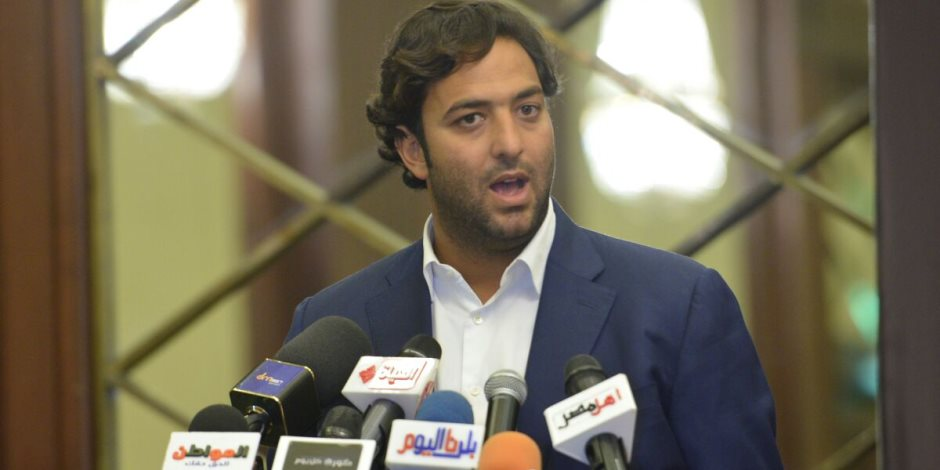 ميدو: لا بديل عن الحكام الأجانب للقمة