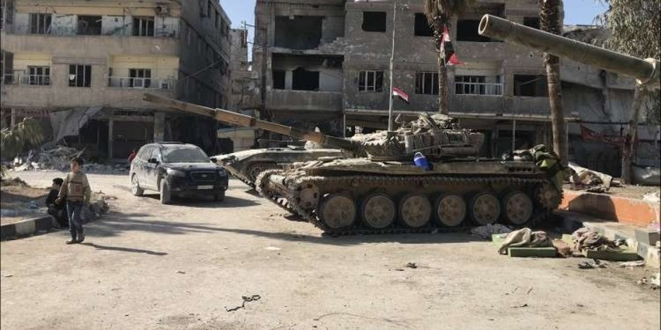 العثور على جثة لمدنيين في مخيم اليرموك بسوريا.. و400 مدني مهددون بالموت