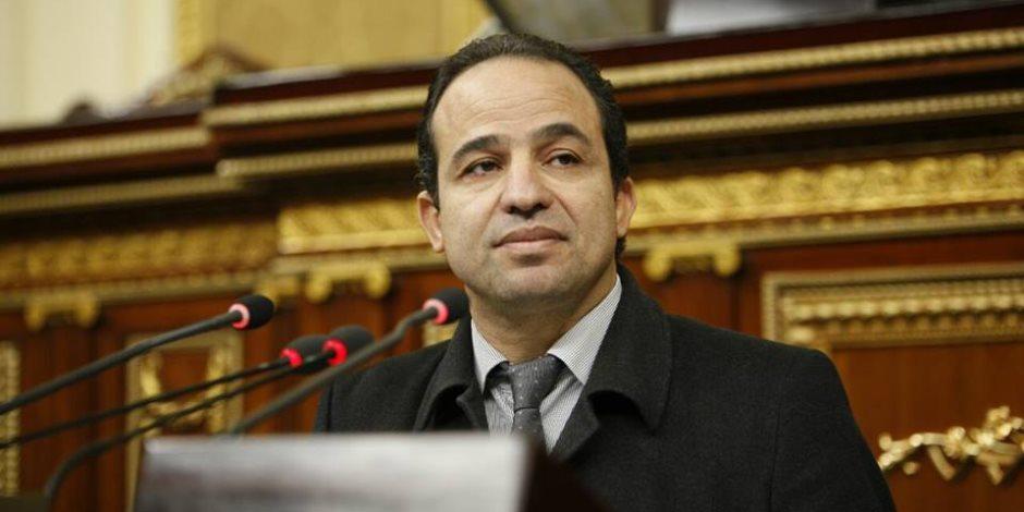 برلماني: هروب الاستثمارات وخروج الشركات من قطر ثمن باهظ يدفعه الحمدين نتيجة إرهابه