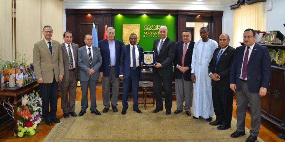 عصام الكردى يستقبل نائب رئيس جامعة إنجامينا بتشاد لبحث سبل التعاون (صور)