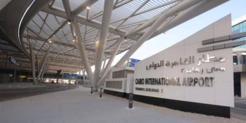مطار القاهرة يسير 163 رحلة دولية تنقل على متنها 19397 راكبا