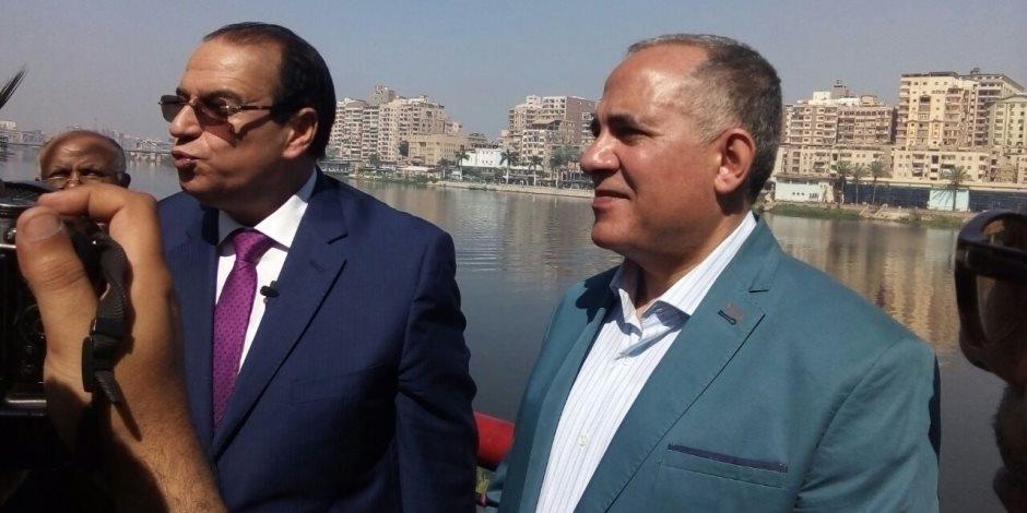 وزير الري يتفقد كوبري الدراسات ومراسي الأتوبيس النهري بالدقهلية (صور)
