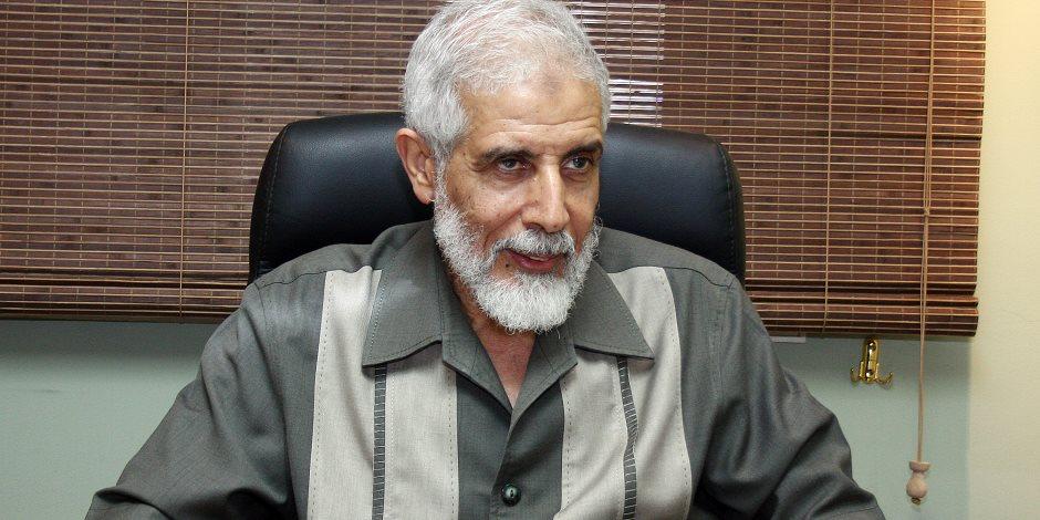 محمود عزت.. أباهم الذي علمهم الإرهاب