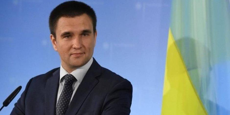 وزير الخارجية يرحب بعودة الطيران المباشر بين مصر وأوكرانيا