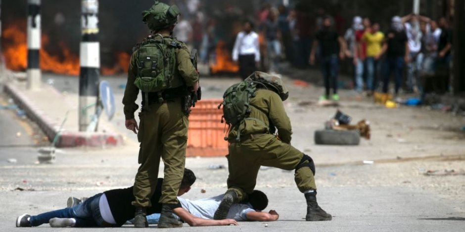 استشهاد فلسطيني متأثرا بجروحه برصاص الاحتلال الإسرائيلى شرق غزة