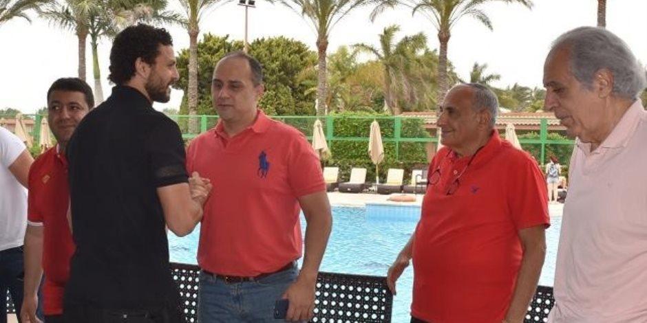 حسام غالي يصل برج العرب لمؤازة الأهلي في مباراة الترجي