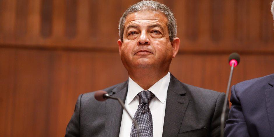 وزير الرياضة يناقش استعدادات المنتخبات الوطنية في كرة اليد للبطولات القارية