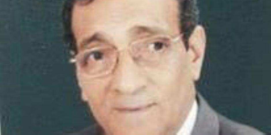 مصطفى النحاس.. دراسات قاصرة وأموال مهدرة