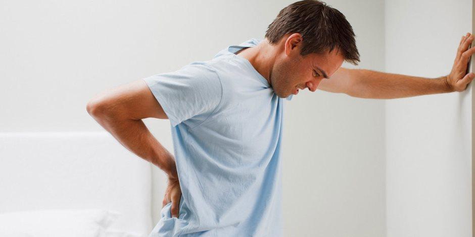 """التدخين و فيتامين """"د"""" و ممارسة الرياضة.. أهم أسباب هشاشة العظام"""