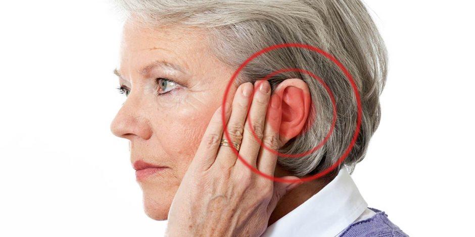 أعراض وأسباب الإصابة بالتهاب الأذن أثناء فترة الحمل ... تعرف عليها