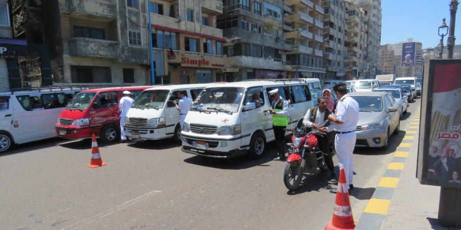 في أول أيام رمضان.. مدير أمن الإسكندرية يشن حملات لضبط الطرق (صور)