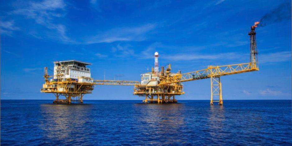 انخفاض طفيف فى أسعار النفط وخام برنت يسجل 76.45 دولار للبرميل