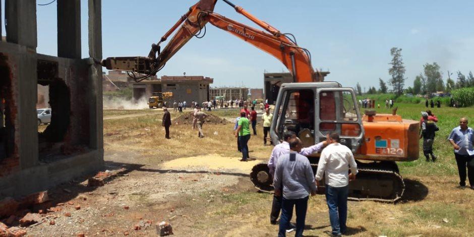 إزالة 26 حالة تعدى على الأراضى بمركز رشيد في البحيرة (صور)