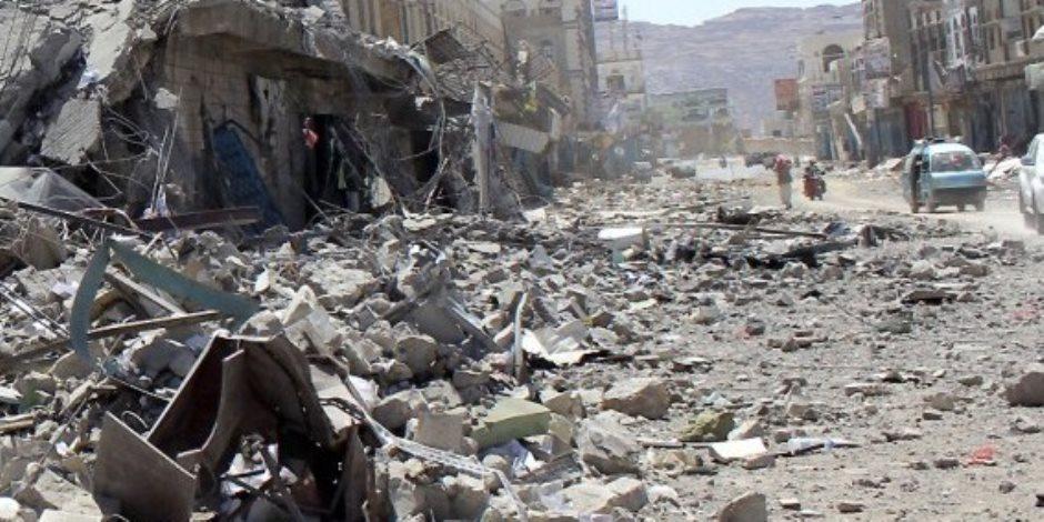 من غلق الأفران لقصف المستشفيات.. الحوثيون يواجهون خسائرهم بالحديدة بقمع اليمنيين