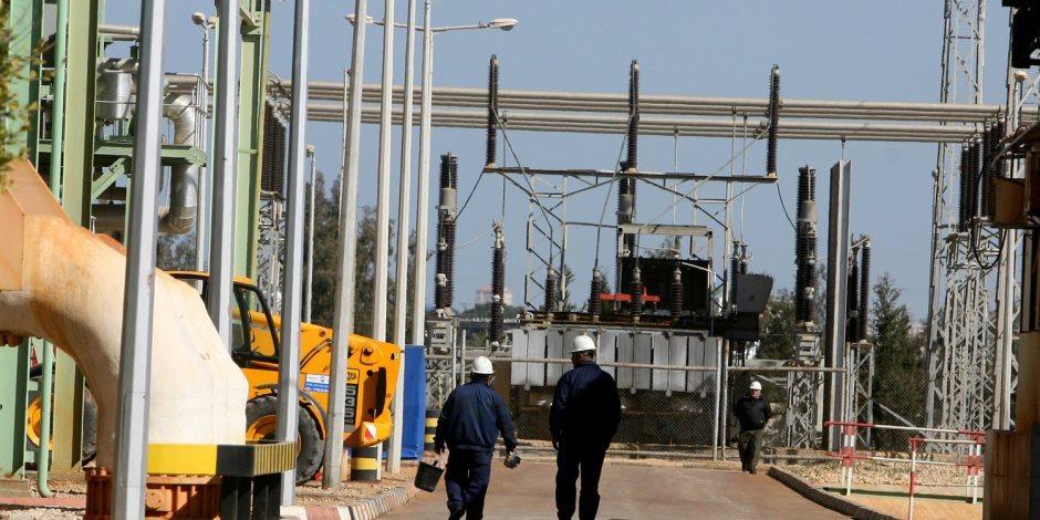 بتكلفة 6 ملايين جنيه.. تنفيذ أعمال تحسين الشبكة الكهربائية في شمال سيناء