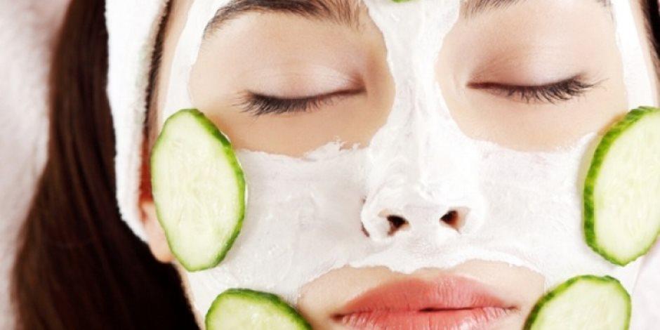 اللي يفيد معدتك يفيد بشرتك.. 4 وصفات مبهرة بالزبادي للتخلص من حبوب الوجه