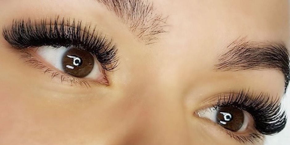تبرز جمال العينين.. طرق طبيعية لإطالة الرموش