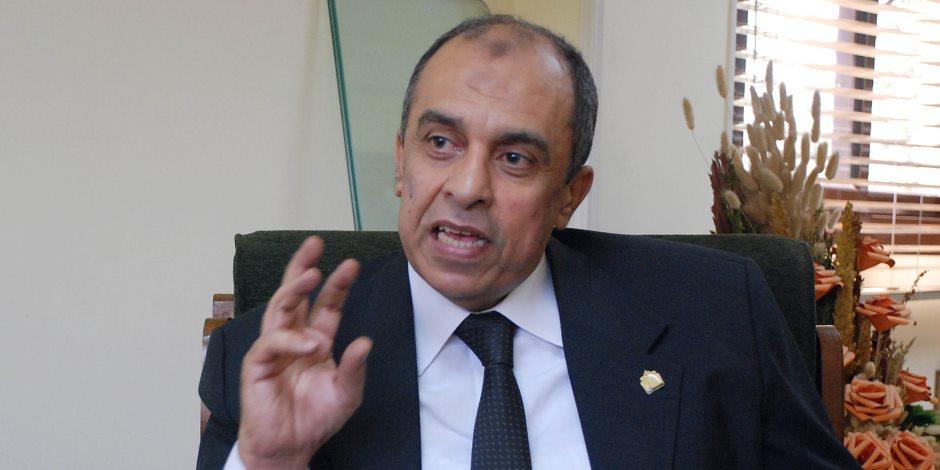 وزير الزراعة يفرض حصارا على الصحفيين ويتهم الإعلام بتجاهل إنجازات الوزارة