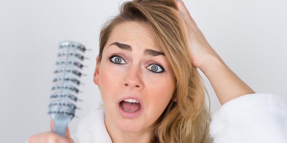 5 أسباب للقشرة.. التوتر الأبرز