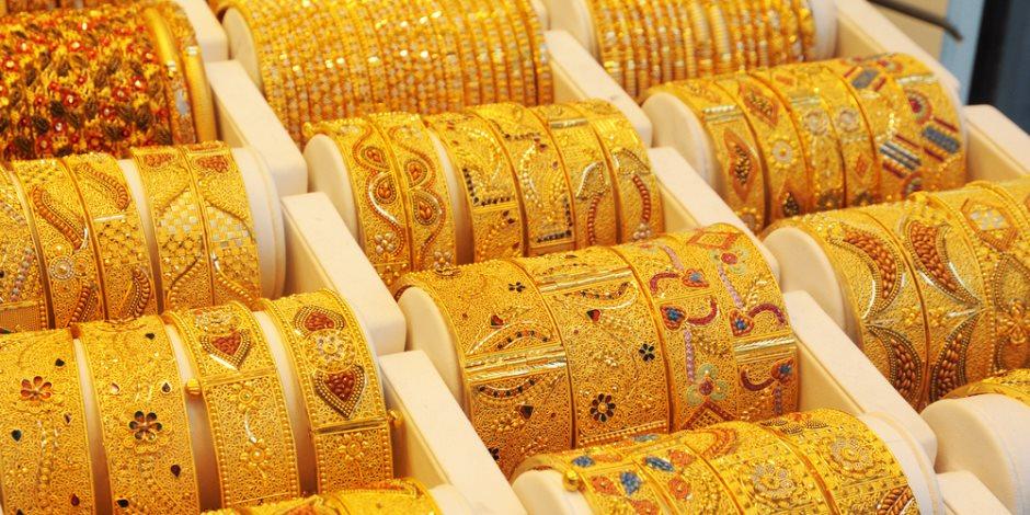 أسعار الذهب تتراجع 3 جنيهات وعيار 21 يسجل 827 جنيها للجرام