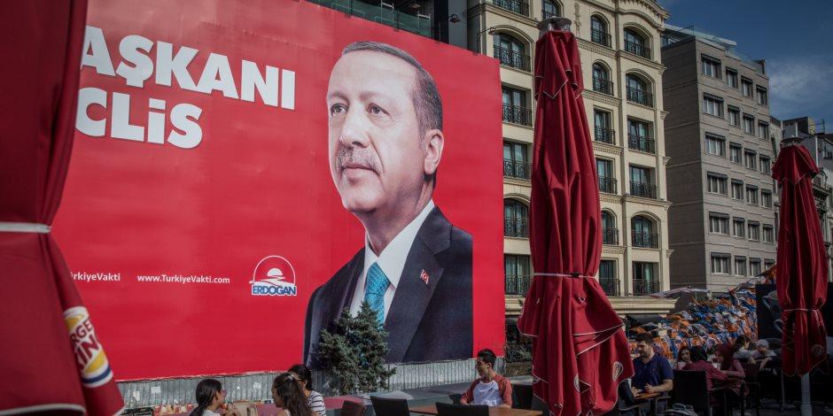 هاشتاج إينجه يفضح حقيقة شعبية الرئيس التركي .. هل تطيح الانتخابات بأردوغان؟