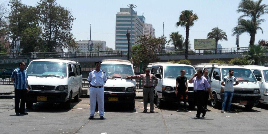 محافظ القاهرة يقطع الطريق أمام الشائعات: لا زيادة في تعريفة الركوب