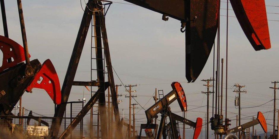 النفط يرتفع فوق 62 دولارا للبرميل.. والسبب؟