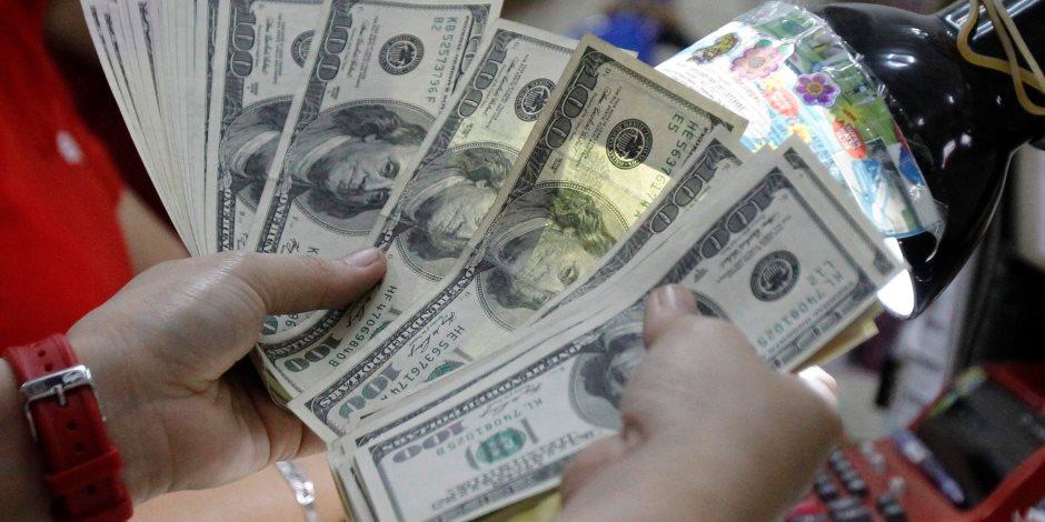 الدولار ينخفض لأدنى مستوى له خلال 8 أشهر أمام الجنيه ويسجل 15.60 جنيه