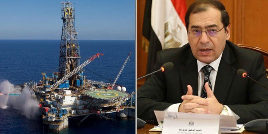 الحكومة في مرمى القانون.. مفاجأة: تطبيق الضرائب العقارية على حقول البترول قريبا